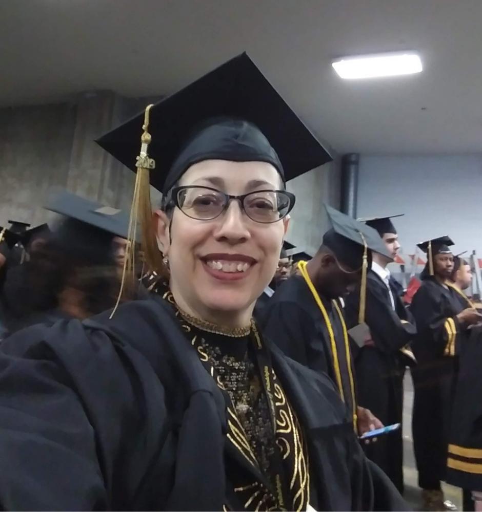 Jovie graduation picture